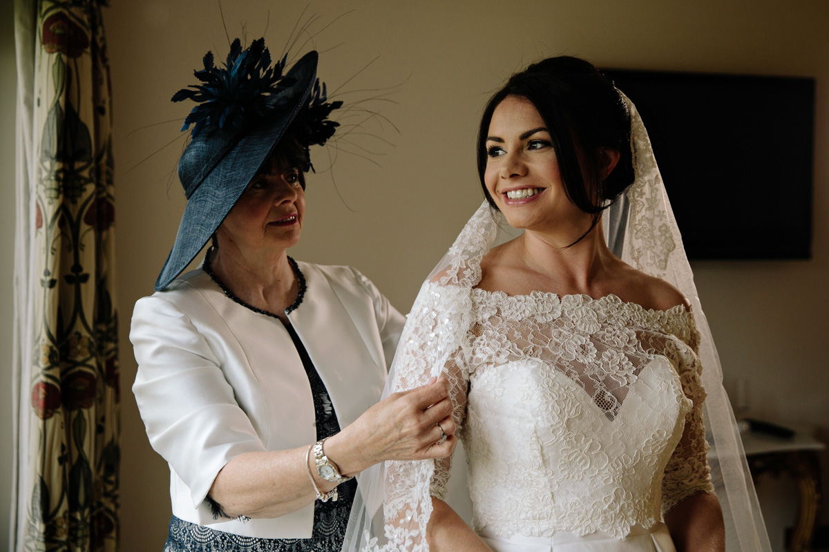 A stunning bride with her mum